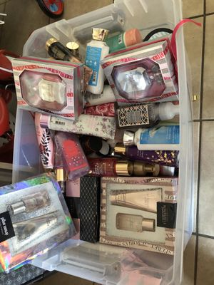 81 pcs vs bath and body body lotion and sprays $500 for Sale in Los Angeles, CA