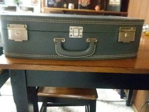 Vintage 1950's Skyway luggage for Sale in Davenport, IA