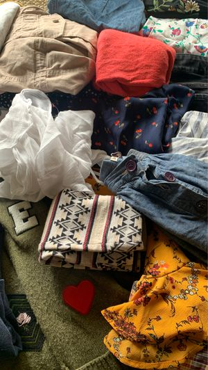 S-M Women's Clothing Lot for Sale in Orting, WA