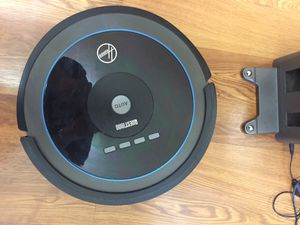 Hoover Quest1000 robot vacuum for Sale in Streetsboro, OH
