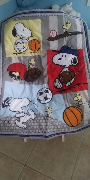 Sport Snoopy Crib bedding set for Sale in Fort Pierce, FL