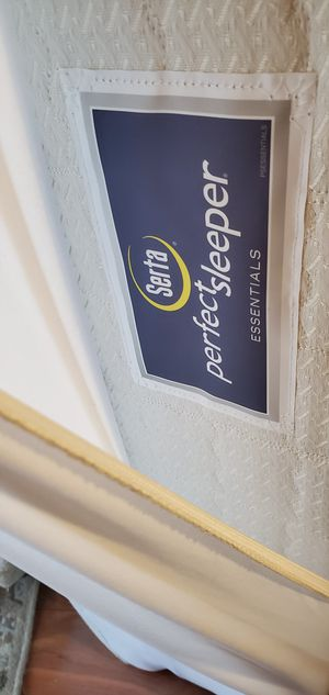 Serta Perfect Sleeper Queen Size for Sale in Clermont, FL