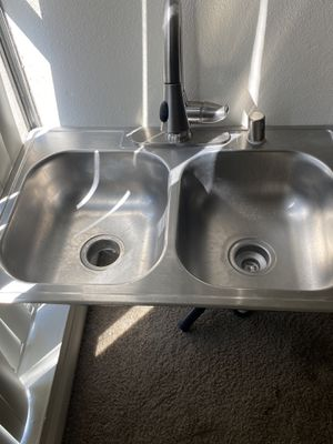 Sink kitchen and fouler for Sale in Chula Vista, CA