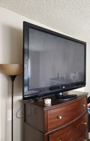 I'm selling my LG 50-inch TV. It's a plasma TV. for Sale in Torrance, CA