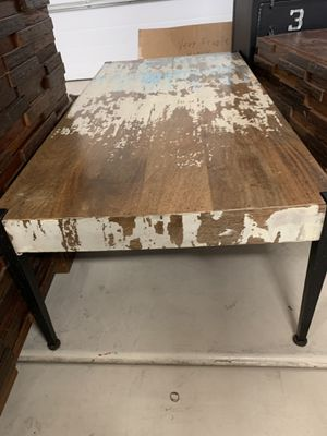Coffee table and 2 side tables for Sale in Chandler, AZ