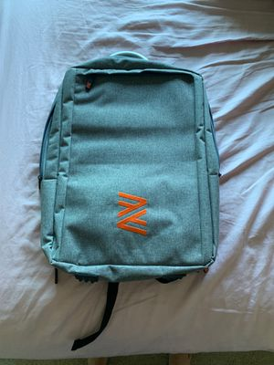 BRAND NEW, Never used - Grey backpack (perfect for college students) for Sale in Belmont, CA