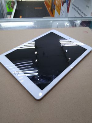 APPLE IPAD 6th GENERATION $359 for Sale in South Houston, TX