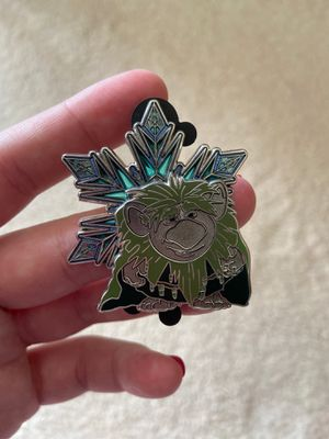 WDI Walt Disney imagineering frozen gran pabbie limited edition snowflake collectors pin for Sale in Federal Way, WA