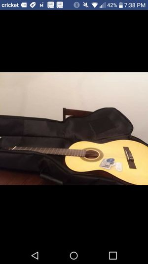 STRING GUITAR W/ GIG BAG AND PICKS LAUREL CANYON L -100 for Sale in Columbia, MD