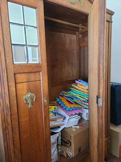 Antique bedroom set for Sale in Riverview,  FL