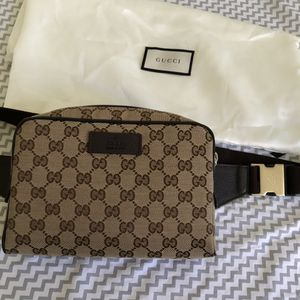 Gucci Waist Bag for Sale in Los Angeles, CA