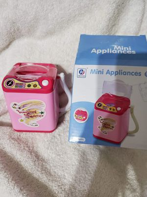 Mini Washing Machine for Barbies and Small Dolls. Takes batteries to really spin. New open box. for Sale in Fort Worth, TX