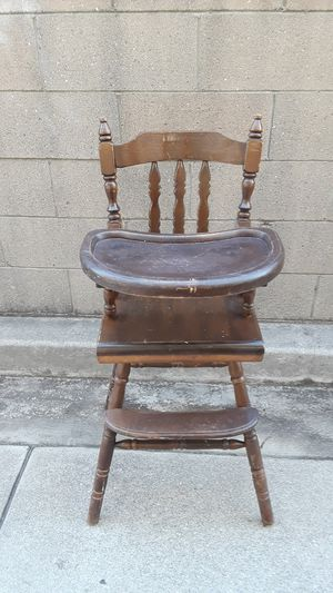 Vintage Wood Baby Highchair for Sale in Lakewood, CA