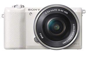 Sony a5100 Camera ***BUNDLE*** for Sale in Palm Coast, FL