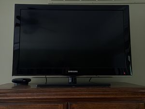 """Samsung TV 32"""" for Sale in Macon, MO"""