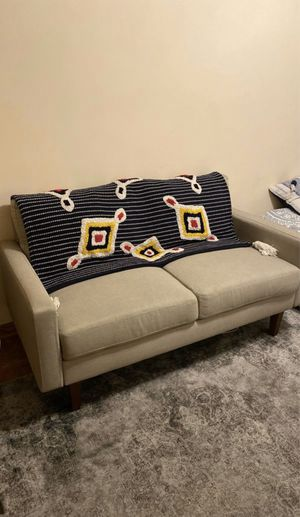 Loveseat sofa for Sale in Chicago, IL