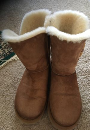 Uggs size 8 for Sale in Rocky River, OH