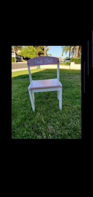 Free time out chair for Sale in Moreno Valley, CA