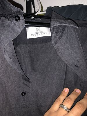Givenchy shirt for Sale in Las Vegas, NV