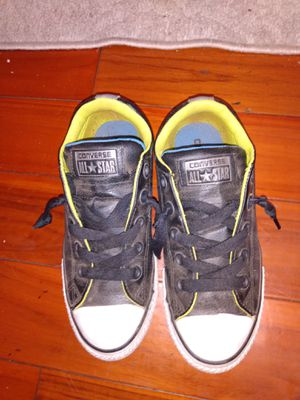 Girl's Converse tennis shoes. New condition. for Sale in Oakland, CA