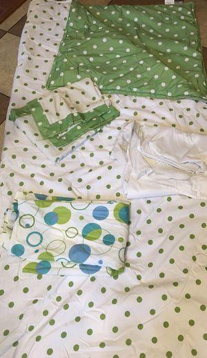 Reversible Full/Queen Comforter Set for Sale in Shipman, VA
