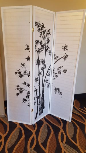 Brand New 3 Panel White Wood Room Divider w/Bamboo Design for Sale in Silver Spring, MD