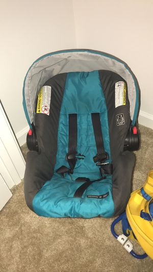 Car seat for Sale in Youngsville, LA