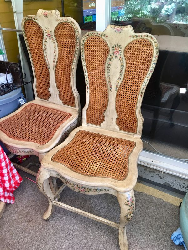 Beautiful antique table plus 2 chairs. $ 50