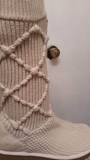 Uggs Cardigan Boots for Sale in Orlando, FL