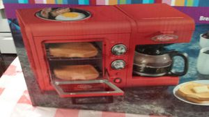 Retro toaster Owen. Fire red. New in a box. for Sale in Scottsdale, AZ