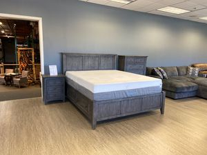 Solid Mahogany Queen or Full Platform Bed Frame W/ Storage Drawers / King $899 for Sale in Vancouver, WA