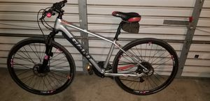 Giant roam mountain bike. With hydraulic disk brakes for Sale in Stockton, CA