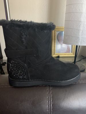 New Guess Boots Girl Size 5 for Sale in Compton, CA