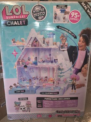 LOL SURPRISE DOLL CHALET ICE SKATING WINTER BLANCO for Sale in Fresno, CA