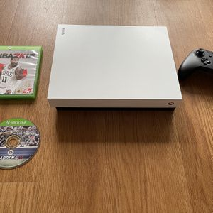 Xbox One X 1TB With Games And Controller for Sale in Miramar, FL