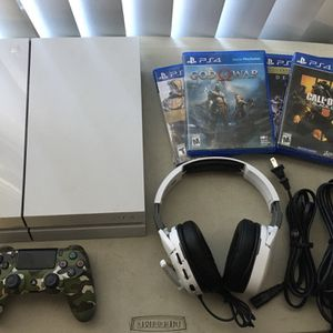 Sony PlayStation 4 500GB PS4 Console and Camo Controller Bundle 4 Games & Headset for Sale in Tolleson, AZ