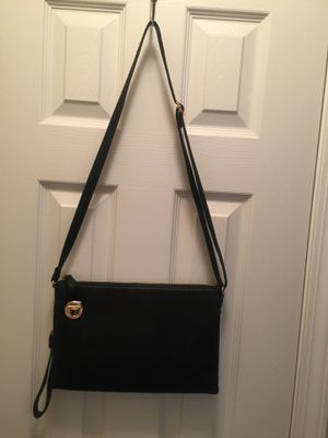 Purses and wallets for sale. for Sale in Jackson, GA