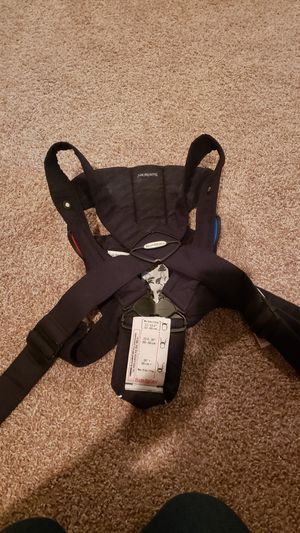 Baby Bjorn carrier for Sale in Benbrook, TX