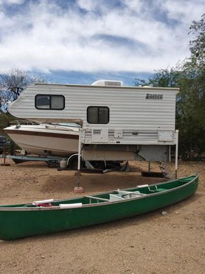 2005 self contained camper fits long bed trucks good condition for Sale in Glendale, AZ