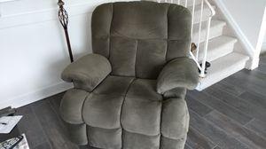 Catnapper Cloud recliner/rocker for Sale in Commack, NY