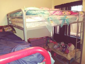 Bunk bed full size $ 50 for Sale in Fresno, CA