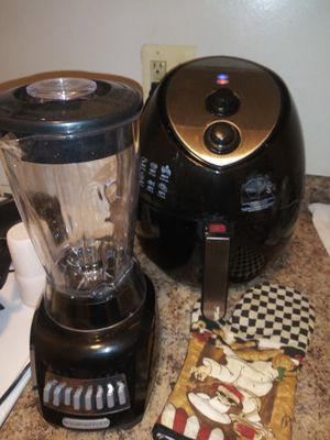 Air fryer and blender for Sale in Baltimore, MD