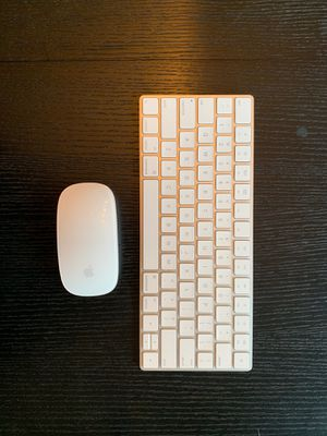Apple WIRELESS mouse & keyboard for Sale in New York, NY