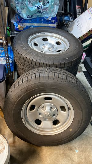 Tires Good Year and rims P265/70R17 for Sale in Bonney Lake, WA