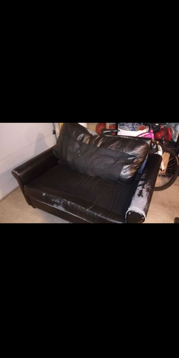 Pull out bed/couch