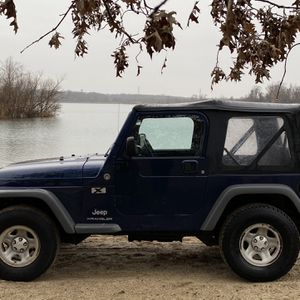 2005 Jeep Wrangler X AUTOMATIC 4.0L Fantastic Condition for Sale in Levittown, PA