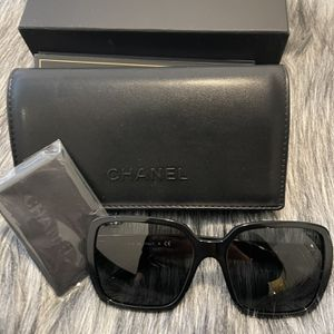 Chanel Sunglasses 💯💯💯 for Sale in Los Angeles, CA