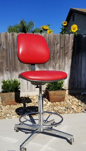 Vintage Barstool by Steelcase Inc. for Sale in Manteca, CA