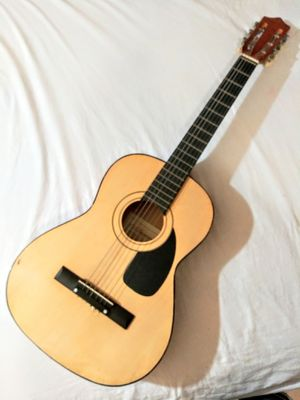 Gorgeous Acoustic / Classical Guitar In Good Condition for Sale in Los Angeles, CA