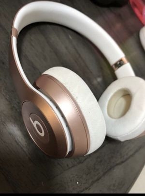 Rose Gold Wireless Studio Beats for Sale in Madera, CA
